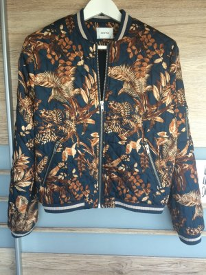 Blouson / Bomberjacke von Gestuz mit floralem Muster