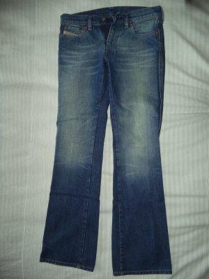 Blue Jeans in leichter Used-Optik, wie neu, W 26
