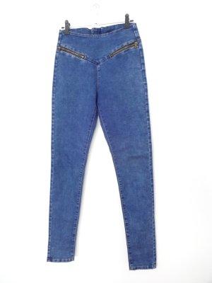 blue Jeans mit coolen detailen