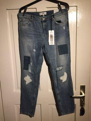 Blue-Jeans mit Patches