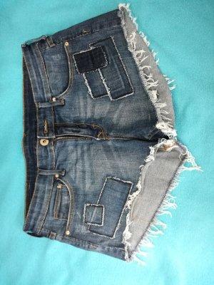 blue Jeans Shorts mit Applikationen