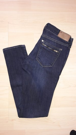 Bluejeans mit Reißverschluss-Taschen