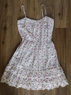 Blümchen-Kleid