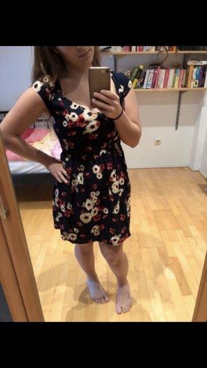 Blümchen Kleid von hollister