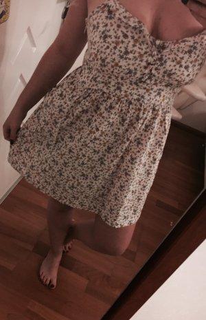 Blümchenkleid aus spanischer Boutique