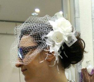 Accessorio per capelli bianco