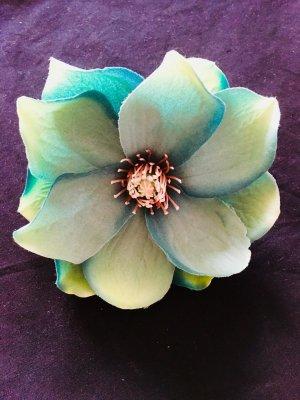 Blütenbrosche - zum Anstecken oder als Haarschmuck zu tragen