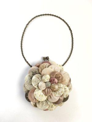 Blütenförmige Minitasche