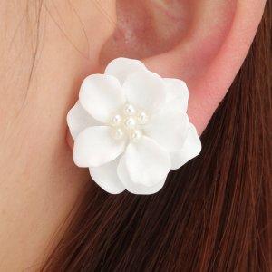 Clou d'oreille blanc-blanc cassé