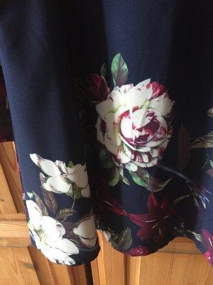 Blumen Kleid in A Form!