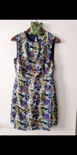 Blumen Kleid mit sexy Rückenausschnitt
