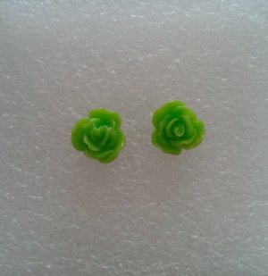 Ear stud green