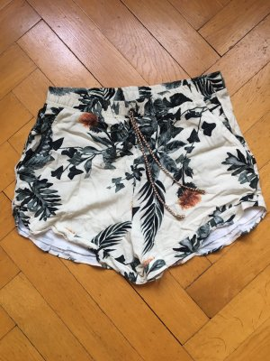 Blumen-Shorts