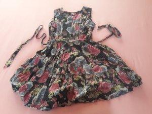 Blumenkleid im Vintage Style