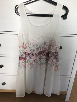 Blumenkleidchen