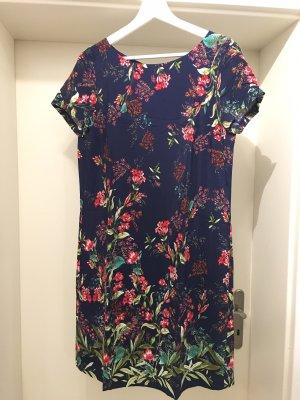 Blumenmuster Kleid