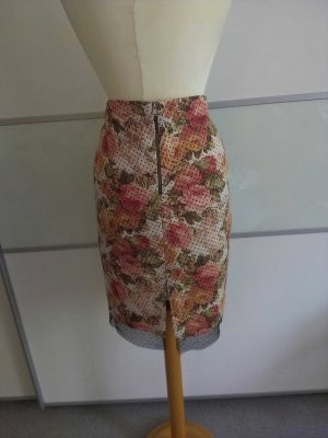 Blumenrock mit Spitzenabschluss, Zara