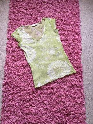 Blumenshirt, apfelgrün mit kleinem Volantärmel