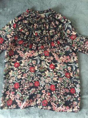 Blumige Bluse von Zara