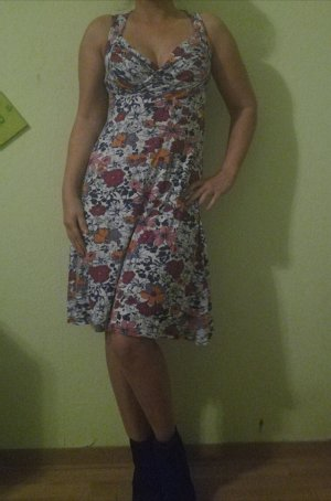 blumiges Knie langes Kleid