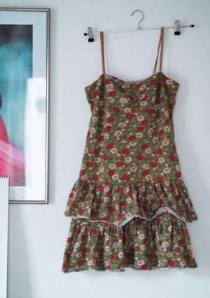 Blumiges Mini-Kleid für Sommer oder Winter