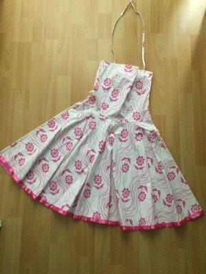 Blumiges Sommerkleid 50s Style