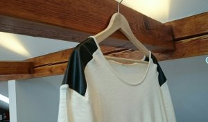 Bluse bzw Tshirt mit Lederapplikationen