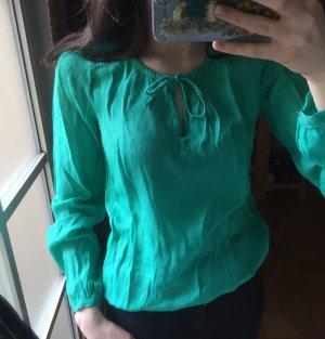 Bluse grün mit Schnürchen schick
