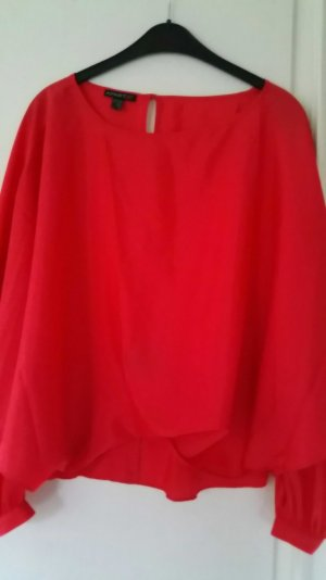 Bluse im Fledermaus Look in rot