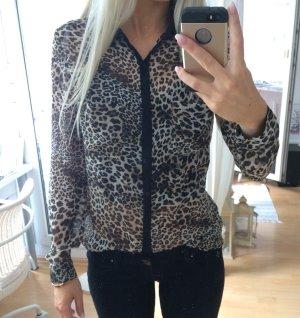 Bluse im Leopardenmuster