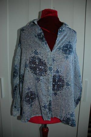 Bluse in einem Blumenmuster von H&M GR 38