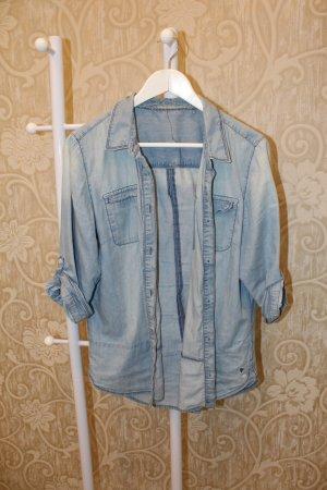 Bluse in hellblau (Jeansoptik)