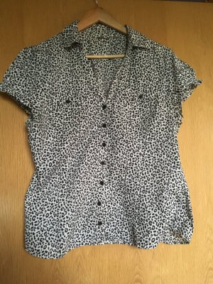Bluse in Leoparden Look