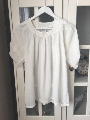 Bluse in weiß mit Carmen-Ausschnitt •Vero Moda•