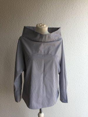 Bluse mit ausgefallenem Schnitt