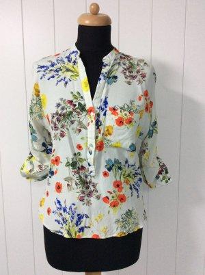 Bluse mit Flowerprint von Zara Woman