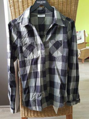 Bluse mit Kragen von der Marke Yessica