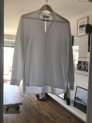 Bluse mit leicht offenen Rücken