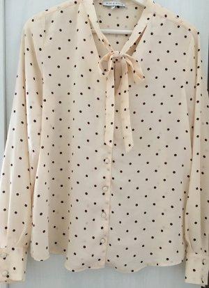 Bluse mit Polkadots und Schleife von Mint&Berry