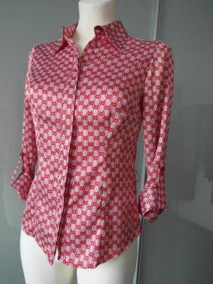 Bluse mit Retro-Muster, figurumspielender Schnitt
