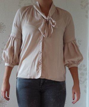 Bluse mit Schleife und Pumpärmeln