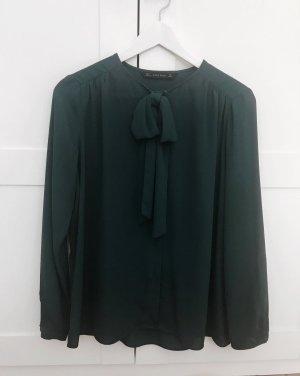 Bluse mit Schluppe in Dunkelgrün