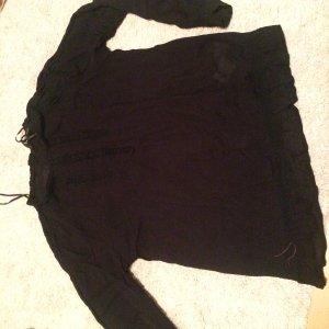 Bluse mit spitzeneinsatz und Knöpfen hinten