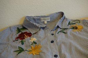 Bluse mit wunderschöner Blumensticketei