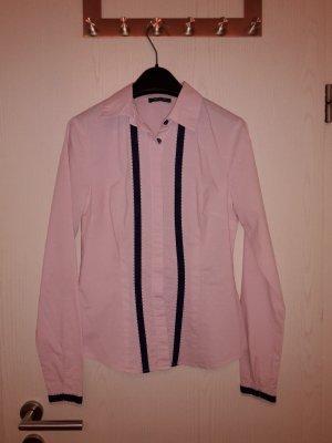 Bluse rosa fein gestreift mit gestickten Punkten