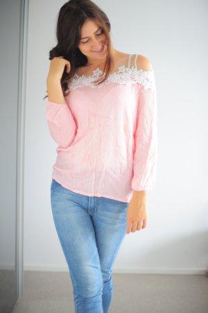 Bluse rosa mit weißen stickereien