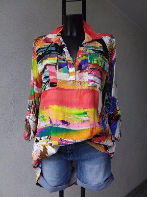 Bluse Tunika mit einen humorvollen Look mit einem bunten Print.