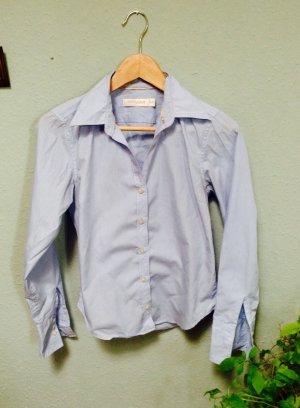 Bluse von Carven in zartem Blau