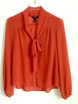 Bluse von H&M, mit Schalkravatte