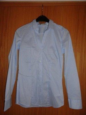 Bluse weiß-hellblau Gr. 36 H&M